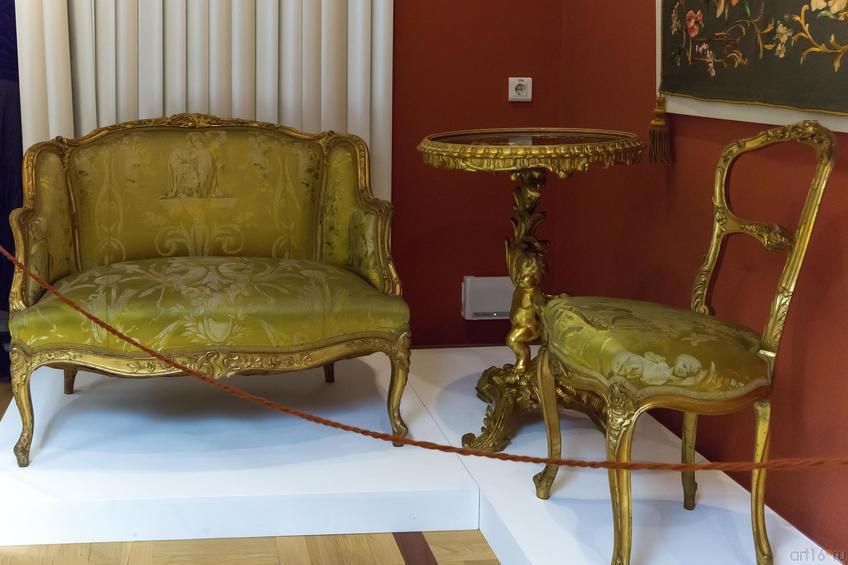 Фото №739355. Комлект мебели: Стол, стул, софа