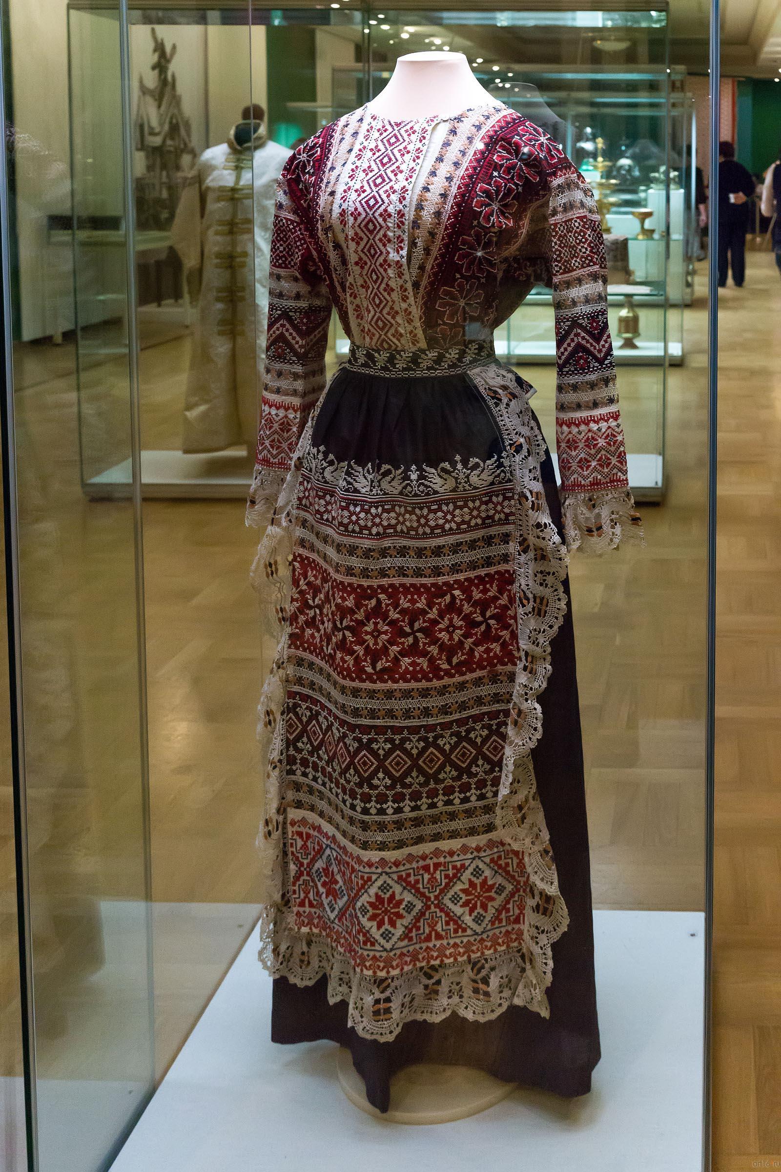 Вышивка на платьях 19 века 50