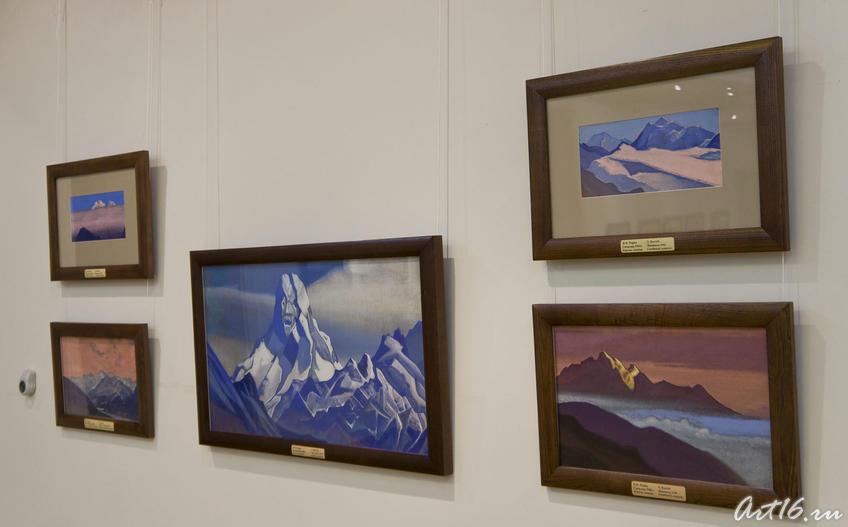 Фрагмент экспозиции выставки. Картины Н.К.Рериха