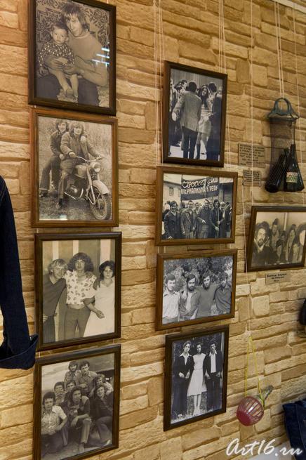 Стена с памятными фотографиями 1970-80гг.