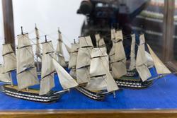 Модель 66-пушечных кораблей (1780-е), по ватерлинию с парусами