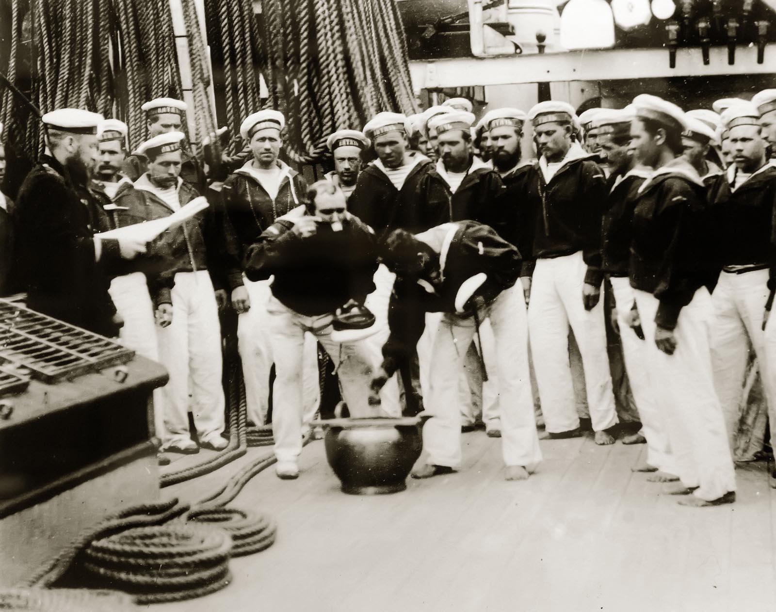Фото №750856. Раздача винной порции на корвете «Витязь» Фотография 1887 года