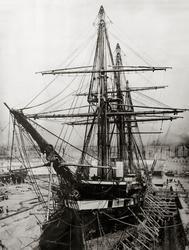 Винтовой фрегат «Александр Невский» в доке. фото 1860-х