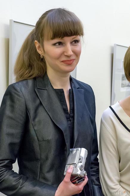 Вера Карасева::Выставка «Диалог. Василий Турин – Вера Карасева»