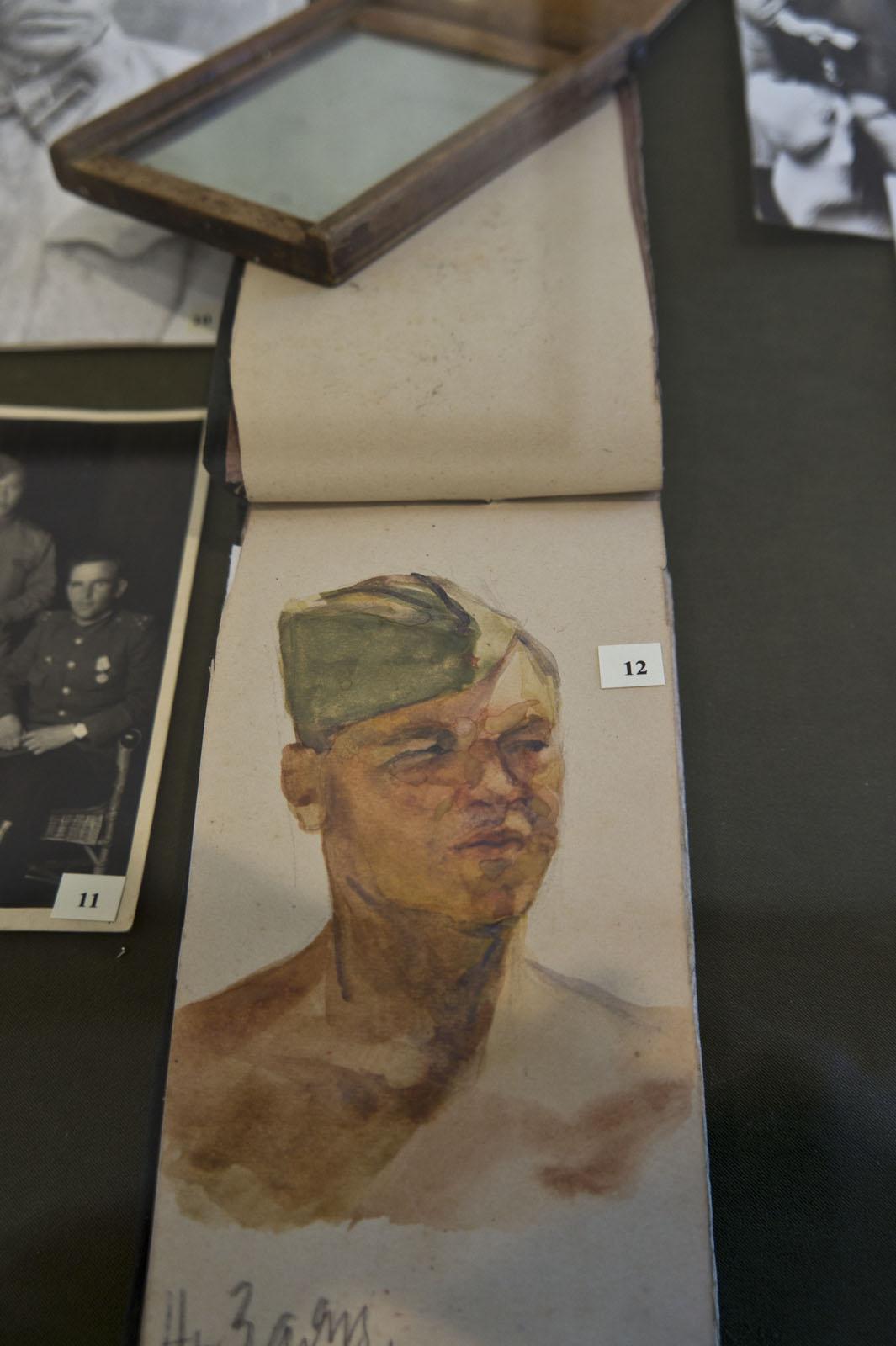 Фото №75826. Зеркало и самодельный блокнот Куделькина В.И., 1941-1945