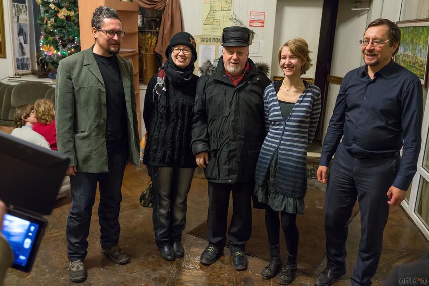 Пивоваров, Ахунова, Вайнер, Сушкова, ...::Полдень. Выставка Ольги Сушковой и Светланы Зайцевой