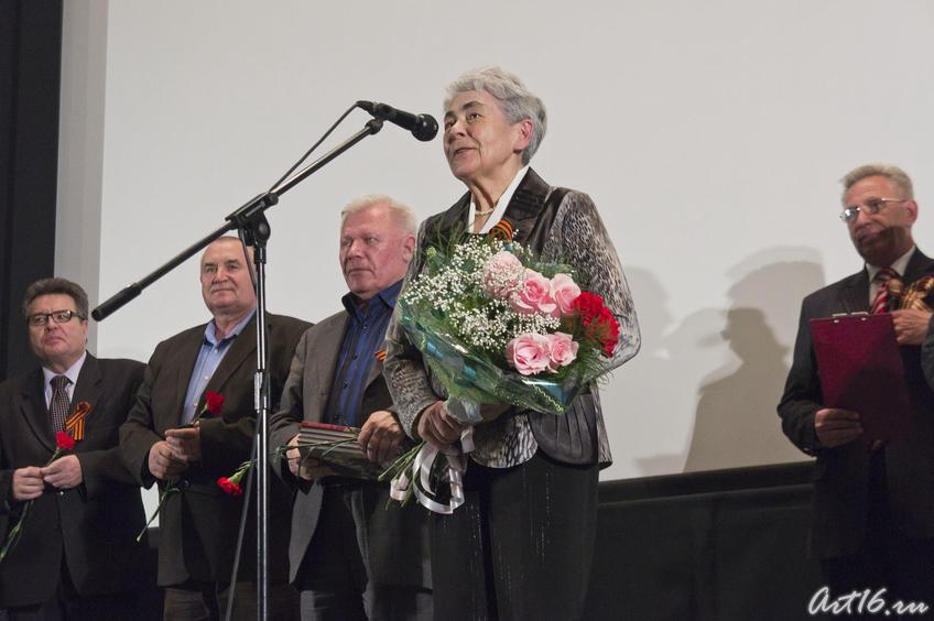 Лейла Фатыховна Каримова на презентации фильмов о своем отце