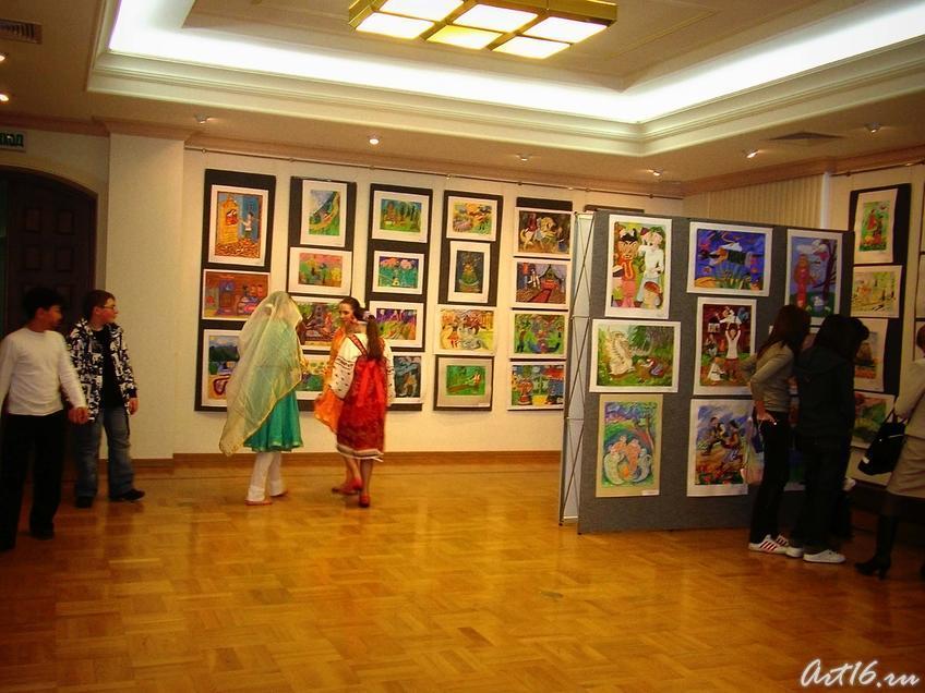 Фото №7732. Фрагмент экспозиции выставки