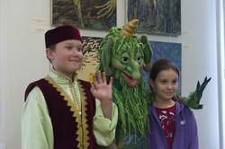Герои татарских сказок на открытии выставки