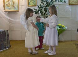 Ангелы на выставке Анастасии Бузунеевой