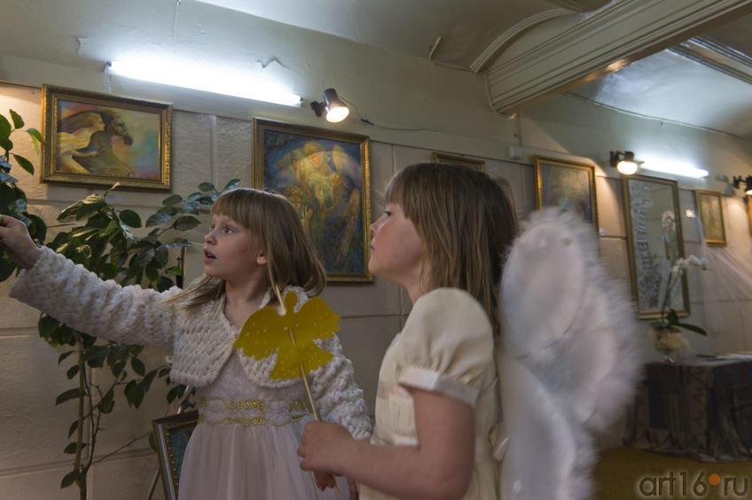Два Ангела (слева, Ангелочек Анастасии)::Анастасия Бузунеева: «Как ангелы», живопись