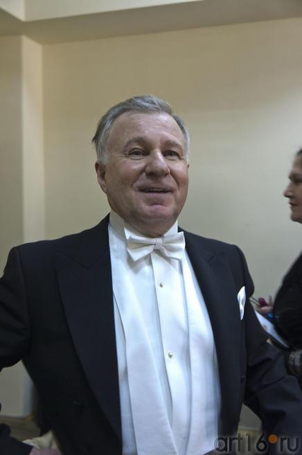 Анатолий Шутиков, дирижер,народный артист России, профессор