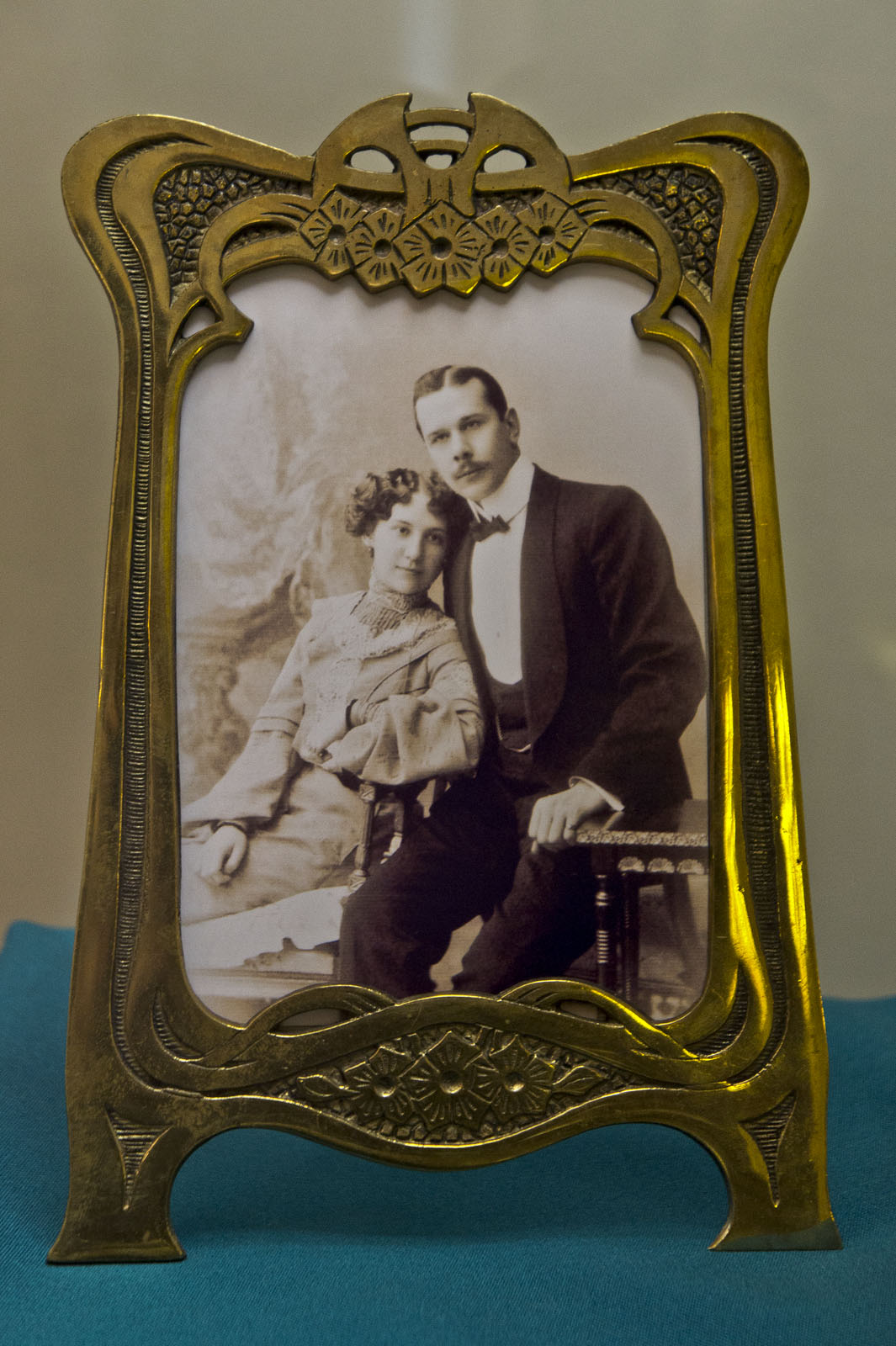 Фото №79954. Фоторамка. Россия, нач. XX века, бронза