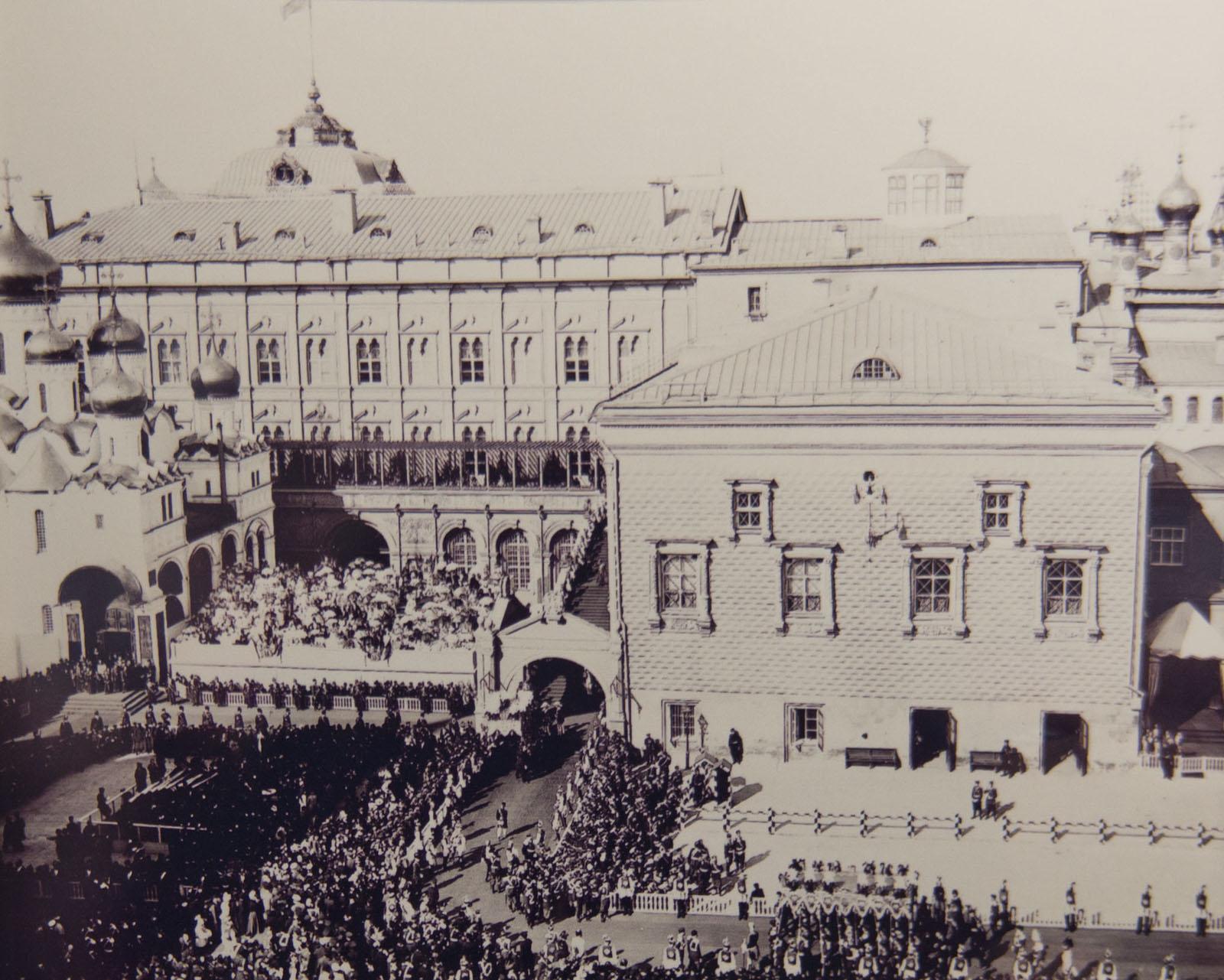 Фото №79984. Торжественный вход в Успенский собор Московского Кремля