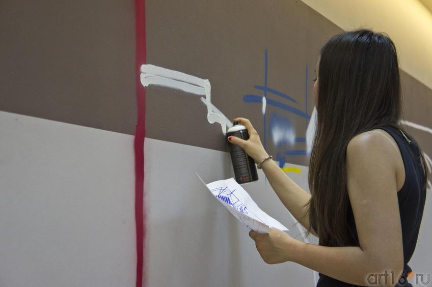 Sufia Zabirova::Граффити. Арт-акция «MANEGE Art MAUER» — 2011