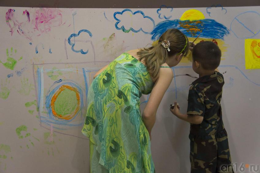 Начинающие райтеры::Граффити. Арт-акция «MANEGE Art MAUER» — 2011