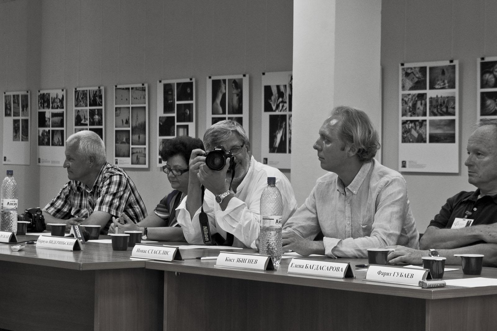 В.Павлов, С.Пожарская, М.Видерыньски, Й.Стаселис,З.Косц::«Молодые фотографы России – 2011»