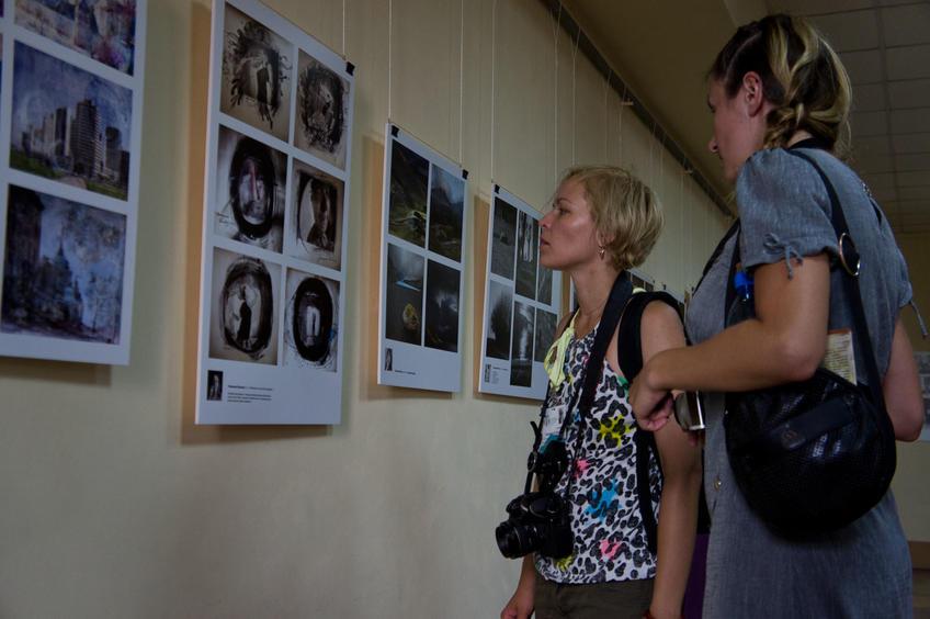 Участники конкурсной выставки, гости Татарстана::«Молодые фотографы России – 2011»