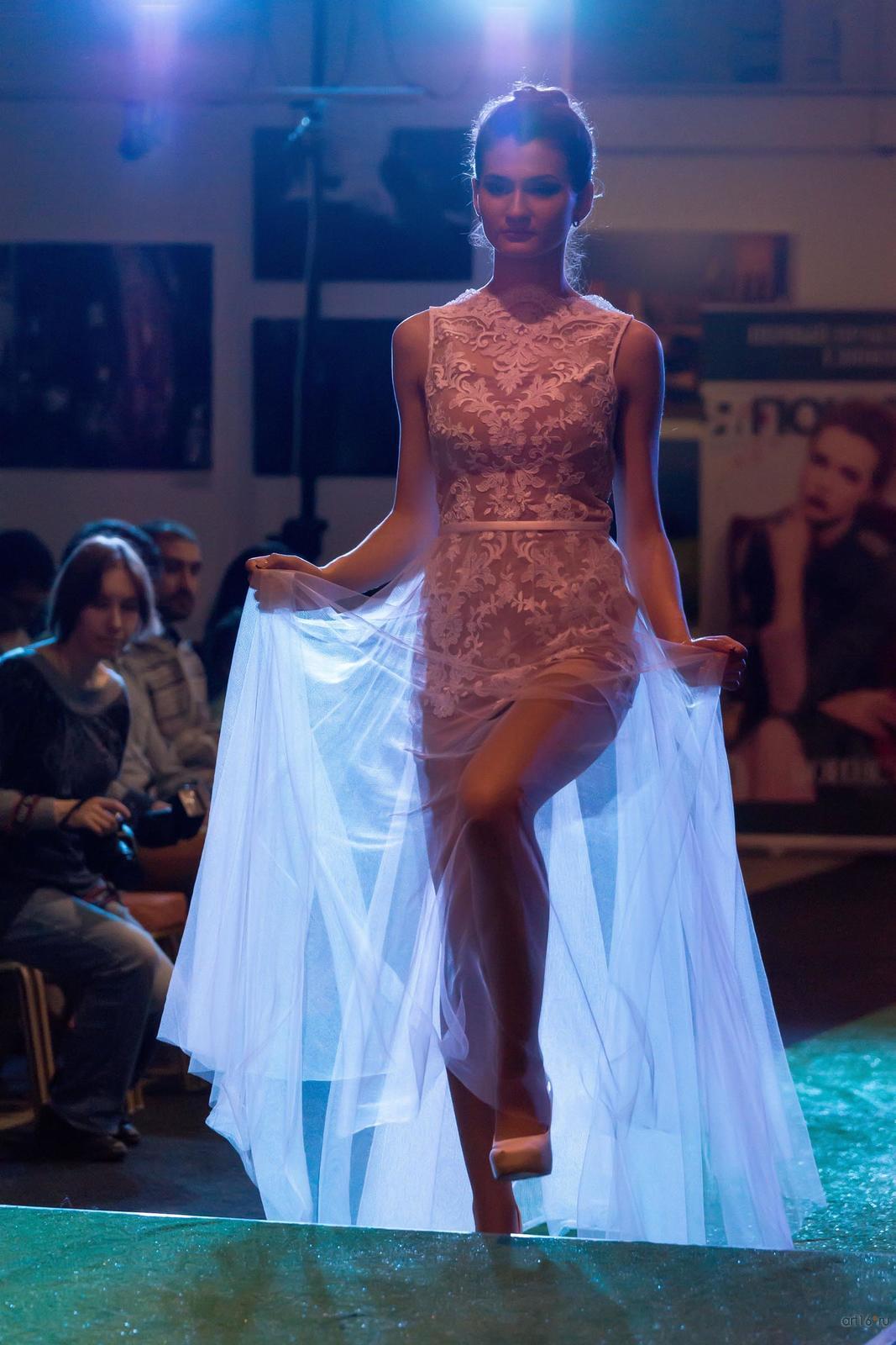 Фото №809176. Платье из коллекции ''Парящие над землей''. Моисеева Венера