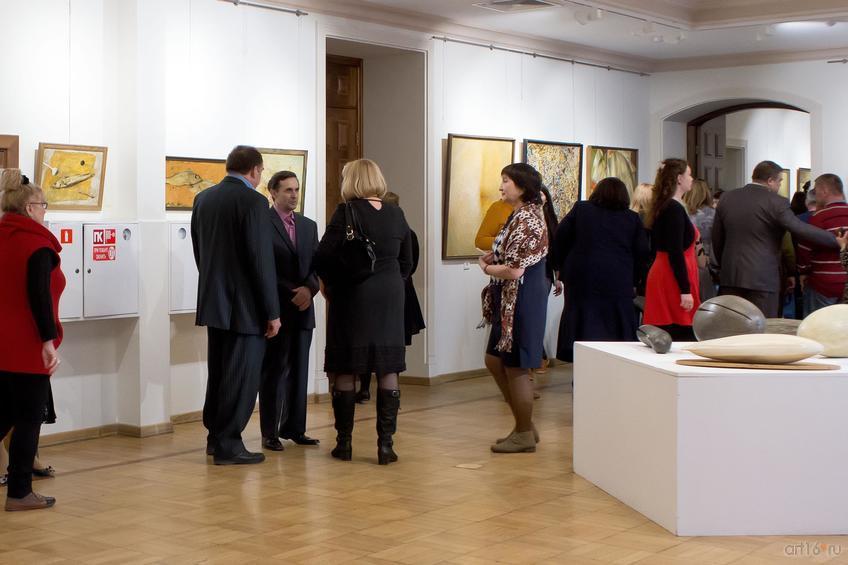 Фото №813015. Перед открытием выставки А.Новикова