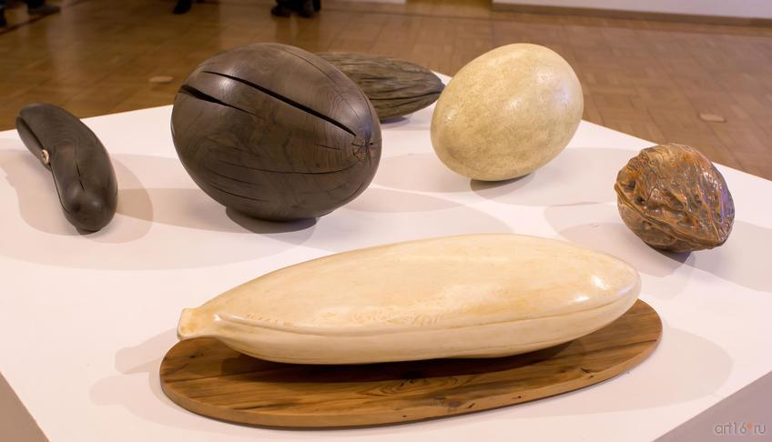 Фото №813160. Начало /Орех/ Черное яйцо. 1993 /Яйцо белое. 1992 /Маслина 2013 /Боб. 1994