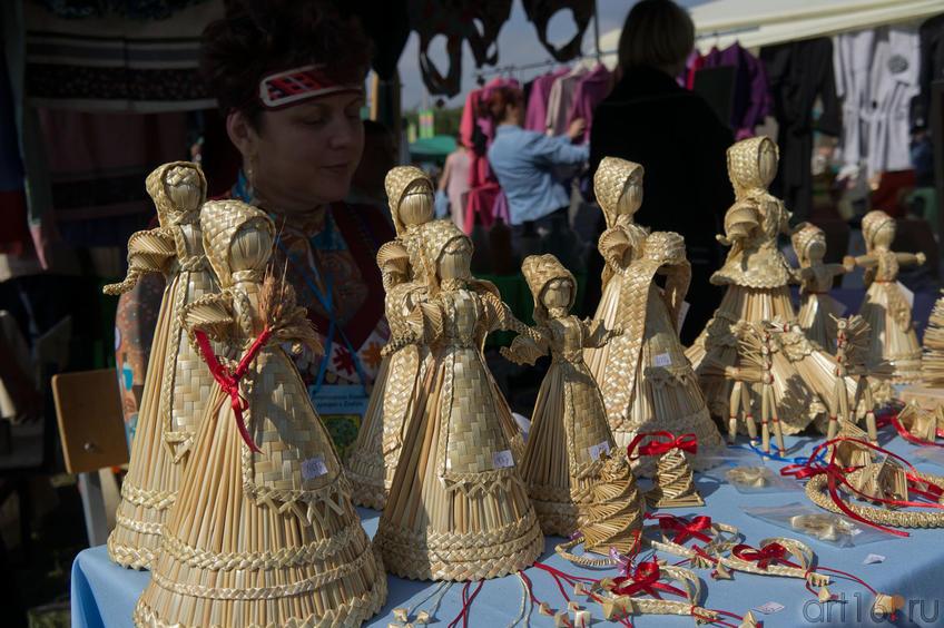 Изделия из соломы на Спасской ярмарке