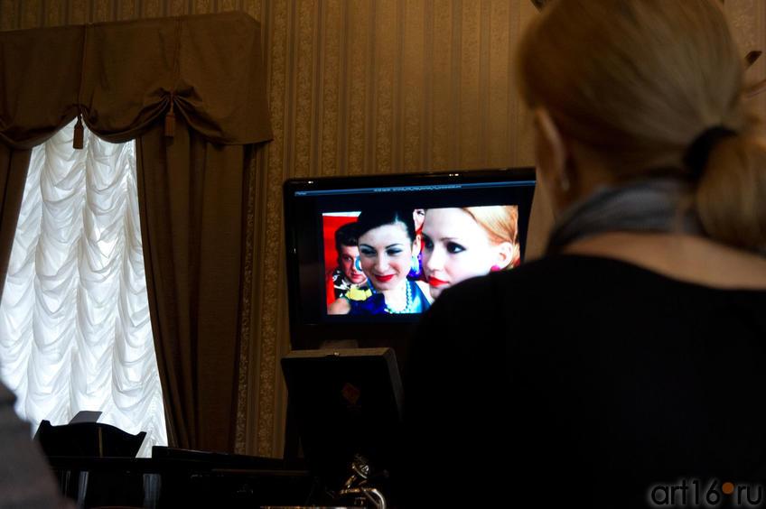 Фото №82822. На экране студенческая работа, фильм А.Габдрахманова ''Действуй''