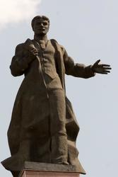Памятник М.Вахитову, июнь 2015