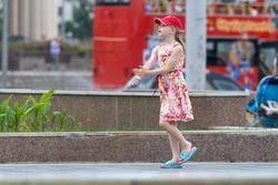 У поющего фонтана, июнь 2015, Казань