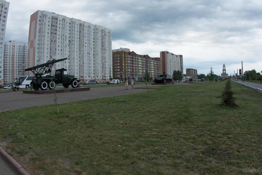 Фото №828669. Аллея военной техники времен Великой Отечественной войны, г. Курск, июнь 2015