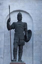 Скульптура древнего русского воина (скульптор - Н. П. Криволапов)