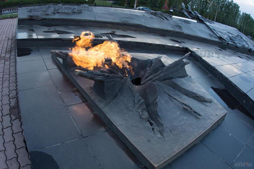 Фото №829041. Вечный огонь. Мемориальный Ансамбль «Курская дуга»