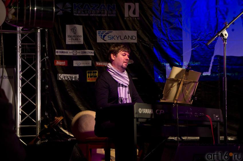 Фото №83224. Олег Анохин – фортепиано. Программа «ЖИЗНЬ В РОЗОВОМ ЦВЕТЕ»