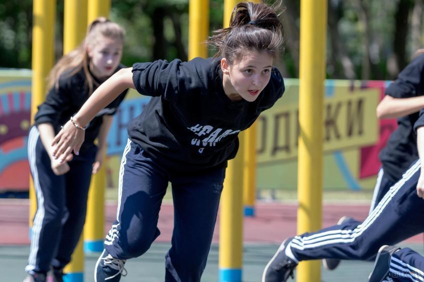 ::27 июня 2015. День молодежи в Казани. Соревнования по дворовым видам спорта. Воркаут