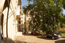 Во дворе дома 2а по ул. Кремлевской
