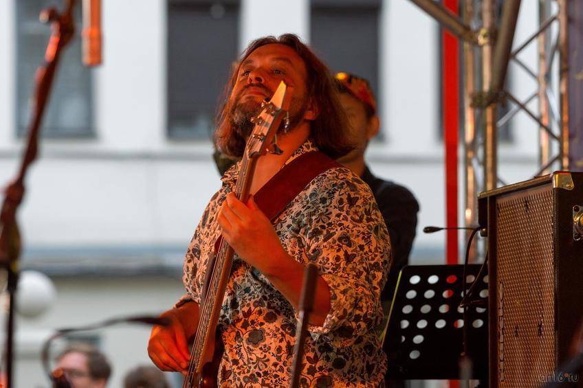 Фото №836944. Антон Горбунов — бас-гитара