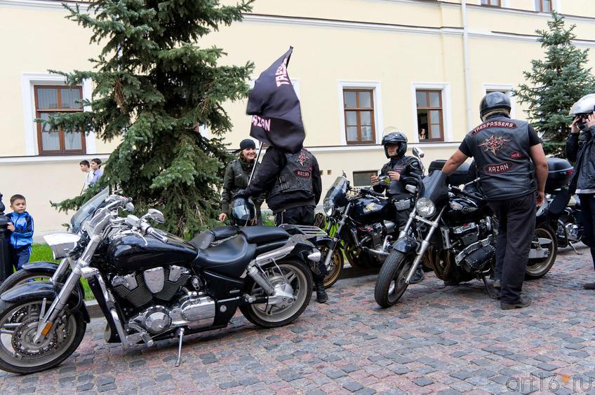 Парад на мотоциклах в Казанском Кремле