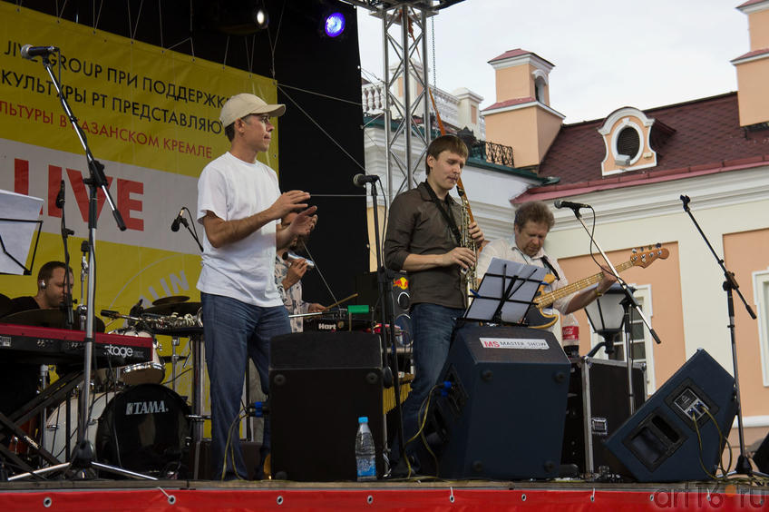 Павел Скорняков и группа Smooth Jazz Project Paolo (Россия)