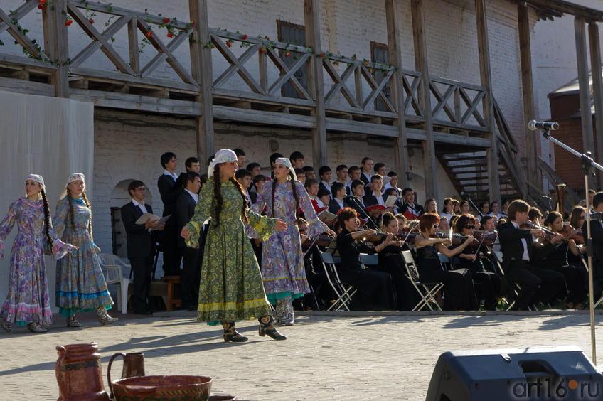 Девушки в смятении::Опера «Алтынчач» Н.Жиганова, либретто М.Джалиля