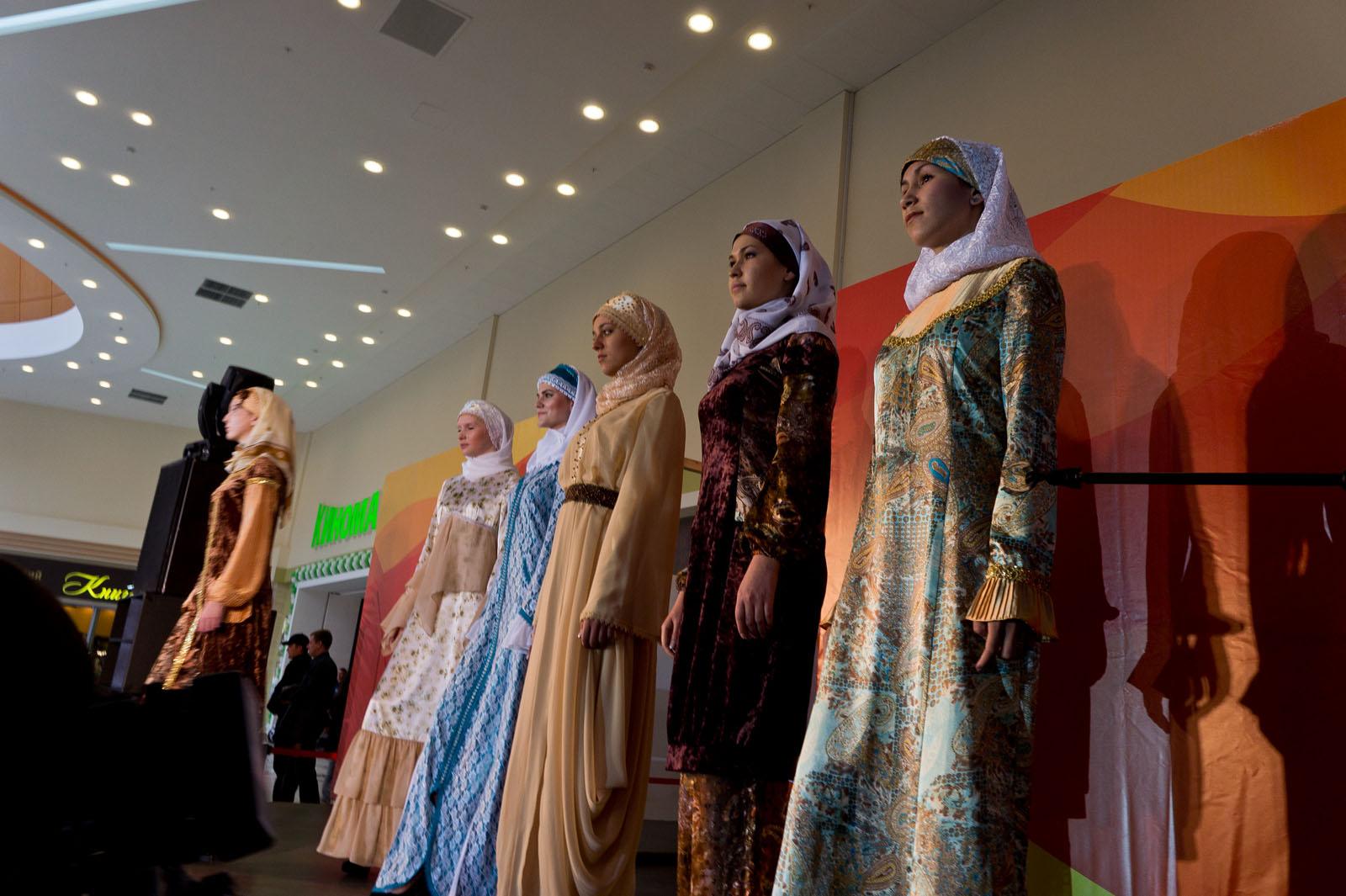 Шоу конкурс дизайнеров одежды