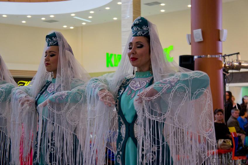 Фото №84677. Государственный ансамбль песни и танца РТ