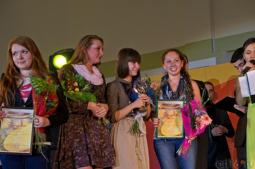 Фото №84697. Е. Быкова и дизайнерский коллектив из Удмуртии