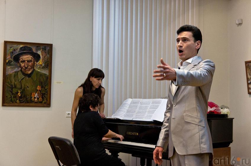 Музыкальная часть церемонии открытия выставки Батраева З.С.