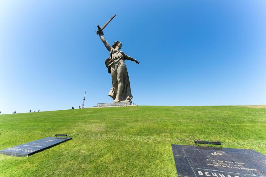 Скульптура «Родина-мать зовет!»::Волгогорад. 2015