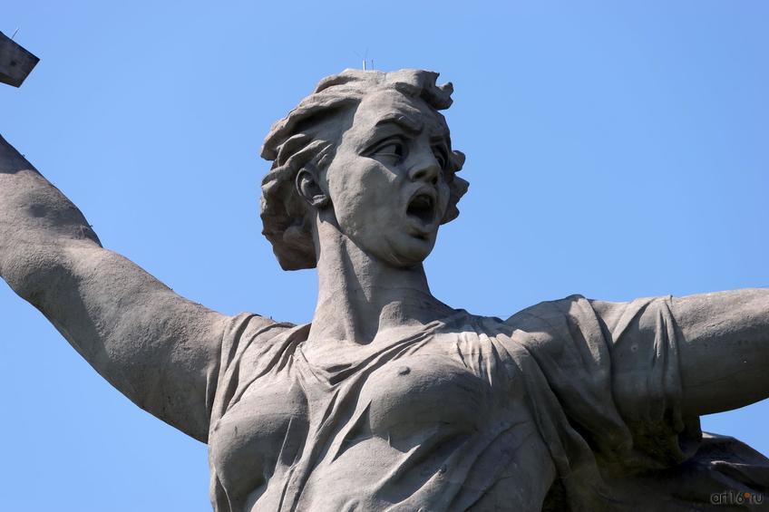 Скульптура «Родина-мать зовет!» (фрагмент)::Волгогорад. 2015