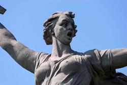 Скульптура «Родина-мать зовет!» (фрагмент)