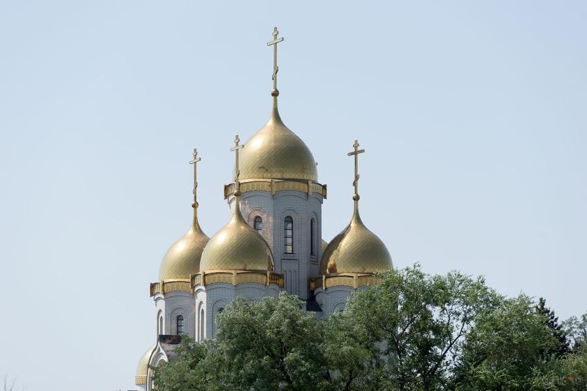 Церковь Всех Святых на Мамаевом Кургане (возведена возле братской могилы на Мамаевом кургане)::Волгогорад. 2015