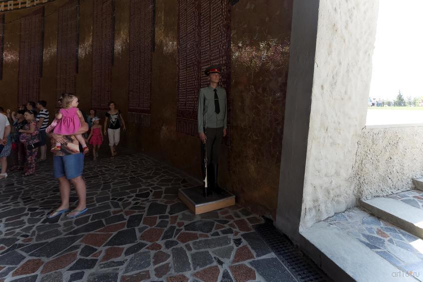 Фото №858301. Часовой на посту в зале Воинской славы