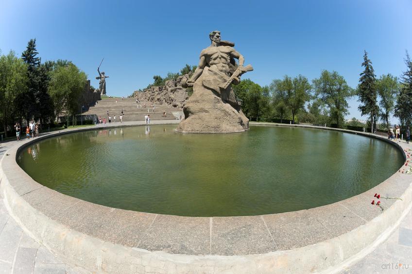 Площадь «Стоявших насмерть», Мамаев курган::Волгогорад. 2015