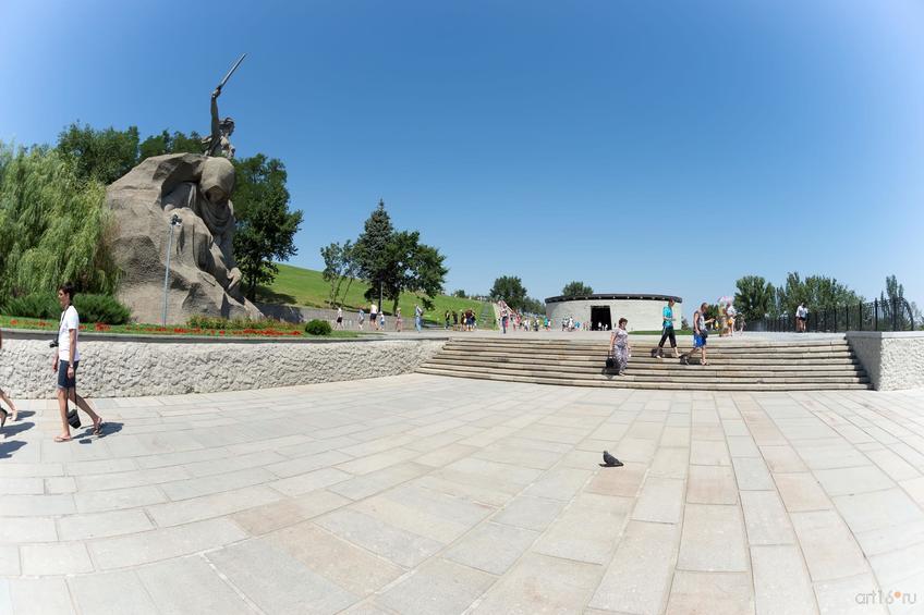 Площадь Скорби (Мамаев курган)::Волгогорад. 2015